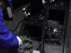 タンクの清掃クーラント液の入替